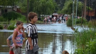 Tras el temporal del fin de semana aún quedan personas evacuadas en municipios bonaerenses