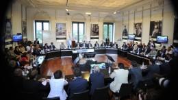 Las provincias acordaron tope de 25% de aumento a estatales