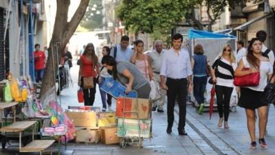 En Rosario, el paro municipal frenó 4 mil trámites y el centro fue una feria