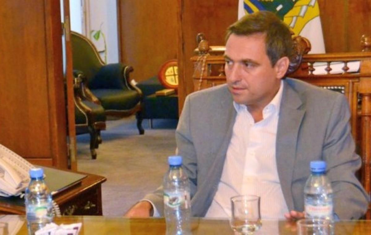 Intendente de Córdoba no logra ordenar el conflicto en salud municipal