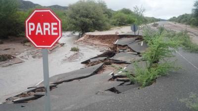 Sigue el drama en Valle Fértil: 400 evacuados, turistas varados y caminos cortados