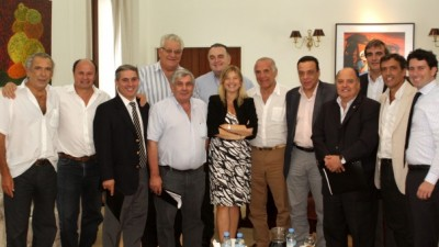 Ministra de Gobierno congregó a once intendentes bonaerenses