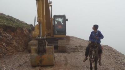 Descubren yacimiento de uranio en el Abra Santa Cruz