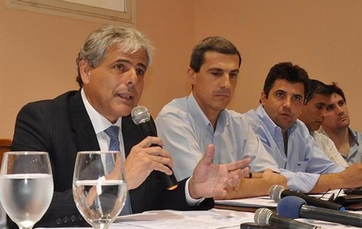 En mayo o junio el gobierno riojano prevé otorgar otro aumento de sueldos