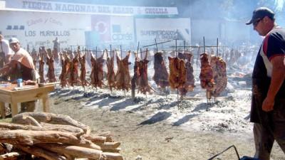 Gobierno de Chubut invierte 10 millones de pesos en el desarrollo de las fiestas populares
