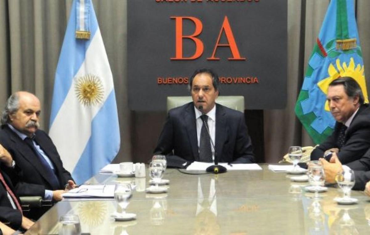 Scioli propone la creación de policías comunales en 40 municipios bonaerenses