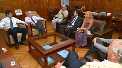Intendentes de Córdoba acuerdan obras de infraestructura para mejorar la producción