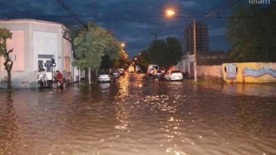 Decenas de evacuados, edificios y viviendas anegadas tras el temporal en La Pampa
