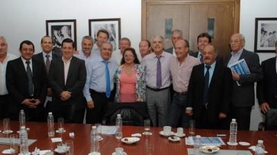 Buenos Aires: Intendentes de la 6º Sección acordaron con De Vido controlar precios de materiales para obra pública