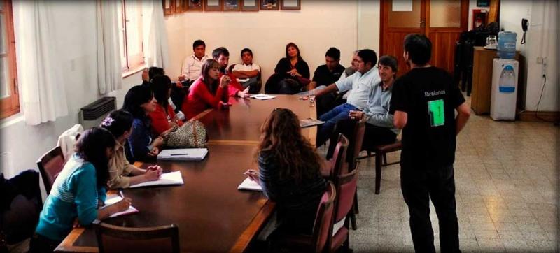 a reunión entre los concejales y los representantes de la empresa