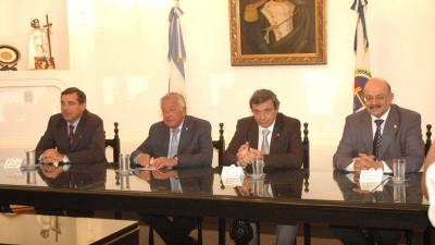 Gobierno de Jujuy firmó convenios con los Municipios para la refacción de 534 escuelas