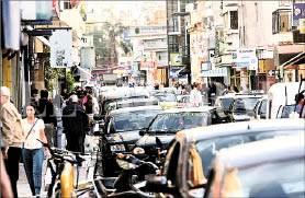Un caos. Las calles centrales en horarios pico se vuelven un verdadero hormiguero de autos particulares, motos, taxis y remises.