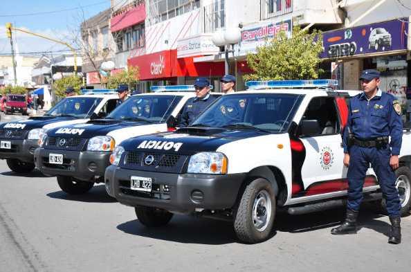 Moviles_policiales_en_Cosquin