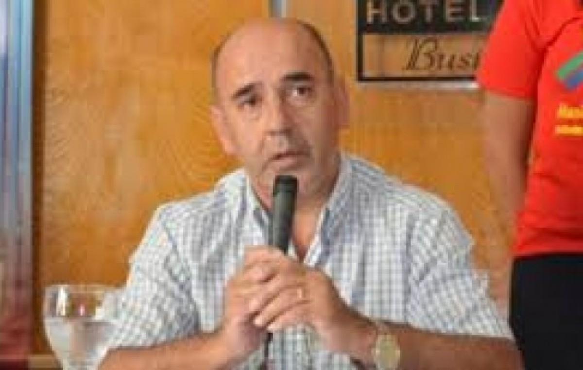 Conflicto municipal en Paclín: el intendente extendió a mayo el aumento