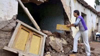 El temporal dejó en el Este de Mendoza cerca de mil casas que ya no pueden habitarse