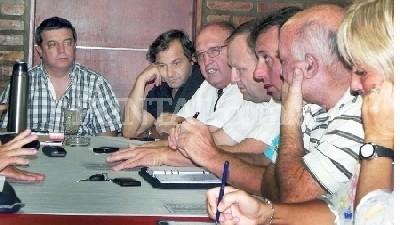 Intendentes de Córdoba alertan que una suba del 30% comprometería a los municipios