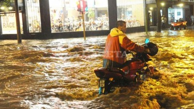 Tucuman quedó tapada por agua en pocos minutos