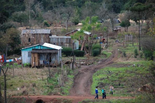 Condiciones de extrema pobreza y abandono. | Familias reclaman asistencia del estado. | Foto: Gentileza Foro pueblos. Ilustrativa