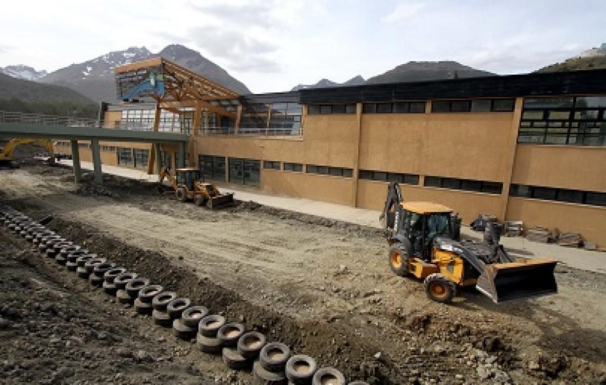 Ushuaia. Histórica iniciativa en cuidado del medio ambiente y reutilización de neumáticos