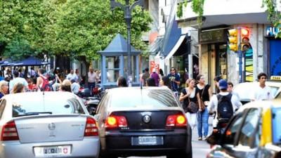 En Rosario, los taxistas no quieren pagar las multas de tránsito con dinero
