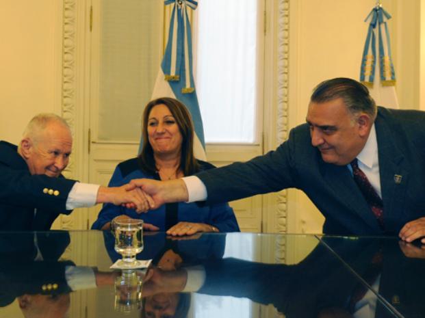 En equipo. Lamberto, Fein y Morán (director del Isep) buscan acelerar la fase de formación de los nuevos agentes. (foto: Virginia Benedetto)