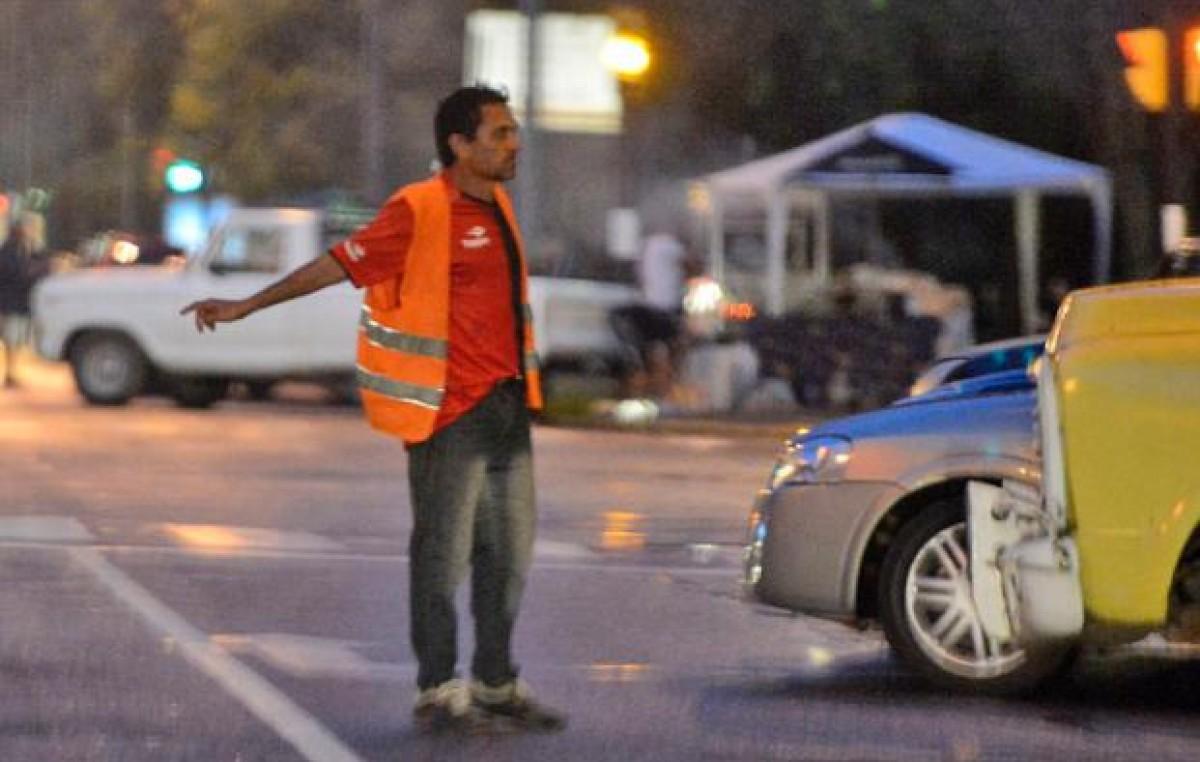 Ediles de Rosario y el municipio criticaron el proyecto de prohibir cuidacoches
