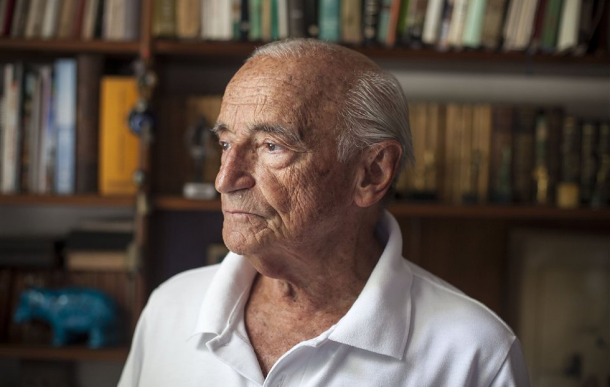 """Aldo Ferrer: """"No hay que pasar la gorra afuera, sino traer el dinero de adentro"""""""