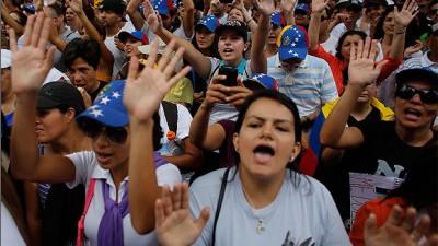 En Venezuela, el arresto de dos alcaldes opositores agudiza la crisis