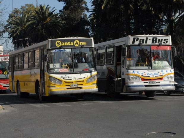 SERVICIO ESENCIAL . UNIDADES DE TRANSPORTE URBANO DE PASAJEROS EN CAPITAL