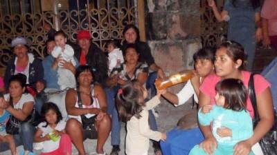 Trabajadoras Municipales encadenadas en San Pedro