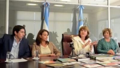 La Vicegobernadora de Neuquén convocó a los intendentes para copiar el modelo de Medellín