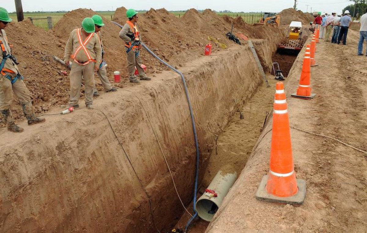 Santa Fe: Sobre el agua y bajo tierra crece la obra del Acueducto Norte