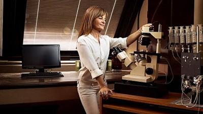 Una científica argentina, premiada en París por estudiar la comunicación rápida neuronal