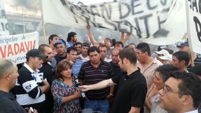 Municipales de Mendoza bloquearon ingreso a la Ciudad en el nudo vial