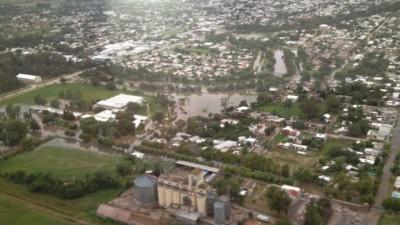El río seguirá amenazando a Bell Ville por dos días más