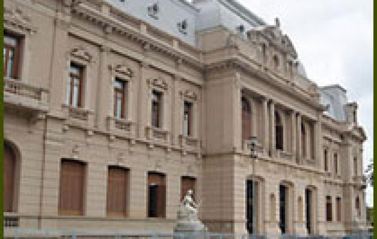 Recomposición salarial: el gobierno de Jujuy convocó al SEOM para este viernes