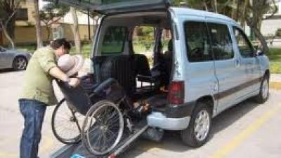 Esquel: exigen que haya remises preparados para discapacitados