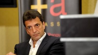 Massa busca potenciar las internas en los municipios