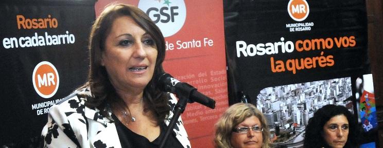 Tras asistir al Palacio Vasallo, Fein presentó la gestión en el Distrito Norte. (Marcelo Beltrame / Prensa Municipalidad de Rosario)