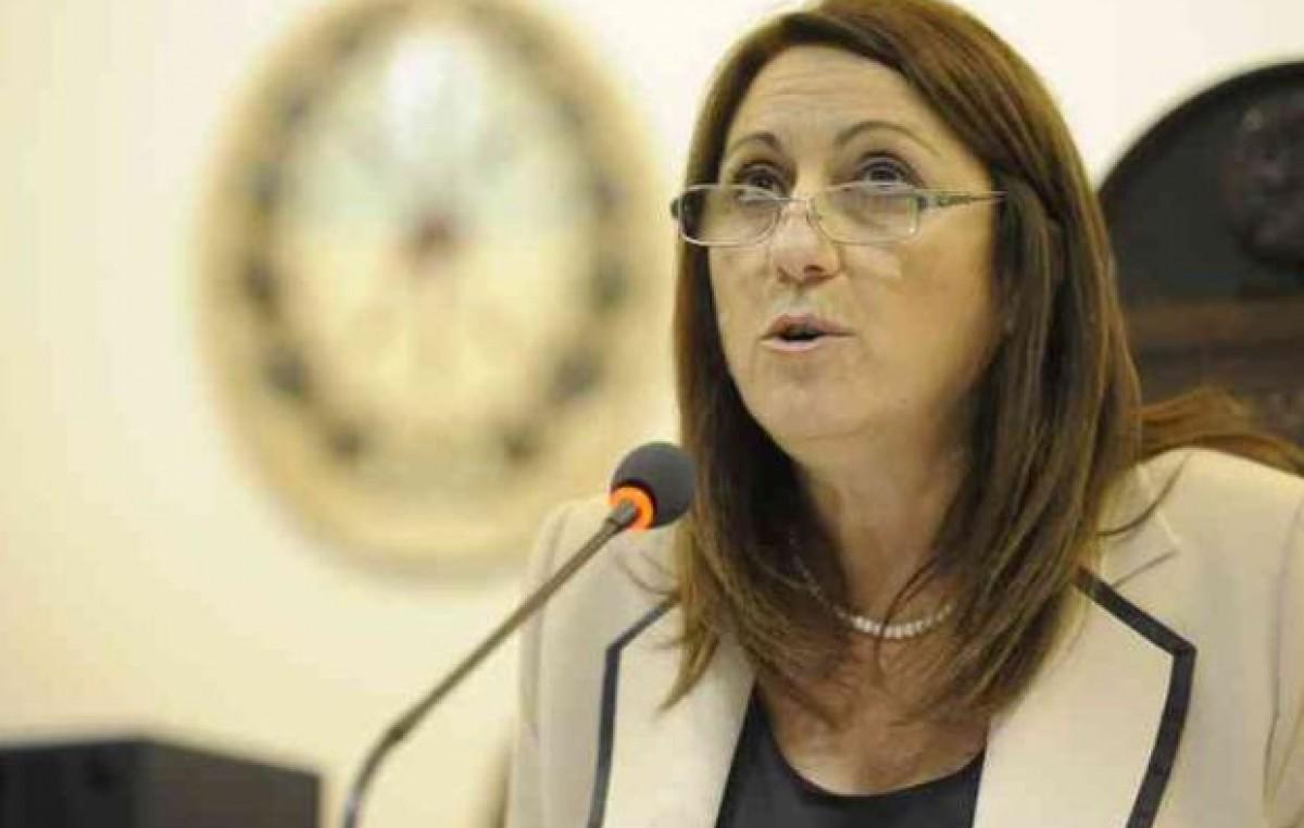 Intendenta de Rosario reclamó al Concejo el doble de fondos para gastar este año