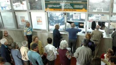La Municipalidad de Córdoba admite que tomó 450 empleados