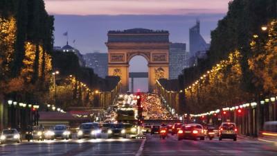 París restringe el ingreso de autos por los niveles récord de contaminación