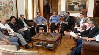 Gobernador de Mendoza recibió a los intendentes del PJ para dialogar sobre presupuesto