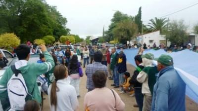 En Las Lajitas, tras 18 día de paro, se agudiza el conflicto