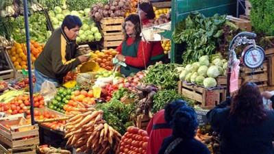 """Venta de frutas y verduras: El intendente de Ushuaia """"pidió hacerlo con regularidad"""" en 2014"""