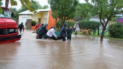 En Las Varillas llovieron 240 mm en casi 10 horas y hubo 80 evacuados