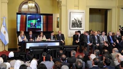 Cristina presentó un proyecto para combatir la precarización laboral