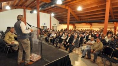 Inundaciones: Sapag acordó con intendentes Neuquinos las obras prioritarias