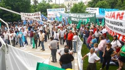La Legislatura pone la mira en el sueldo de los municipales bonaerenses