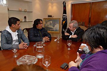 Ayer, la reunión del gobernador Daniel Peralta con la Federación.